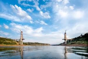 Ponte da Integração recebe primeiros cabos de sustentação