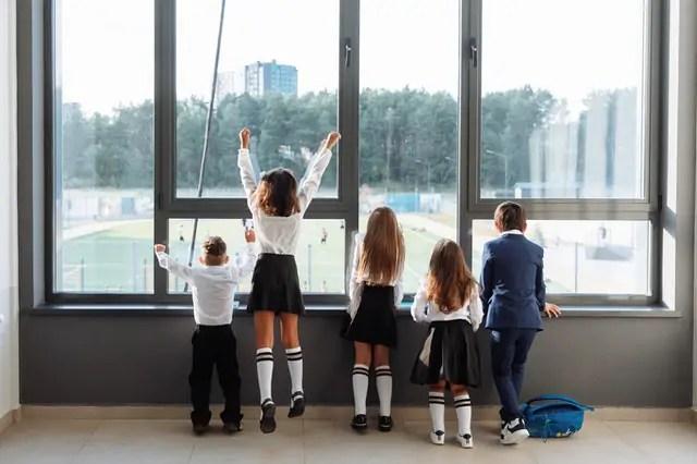 Novo levantamento da Kantar mostra os impactos da pandemia no bem-estar dos pais e na educação de crianças e jovens em todo o mundo