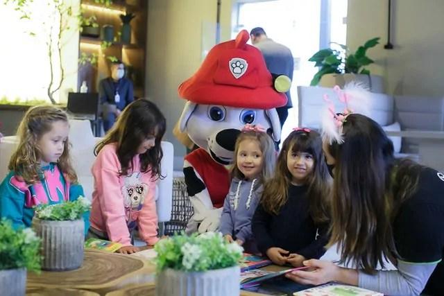 Romanzza promove ação de Dia das Crianças