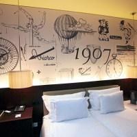 Um hotel com quartos temáticos
