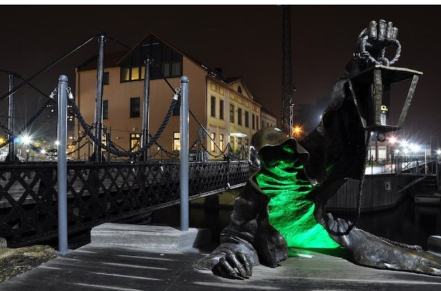 Creepy place to visit: Creepy Ghost Statue in Lithuania