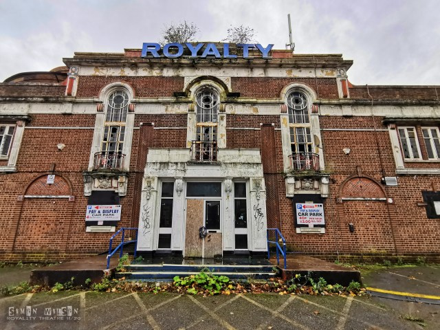 The Royalty Cinema | Urban Exploring
