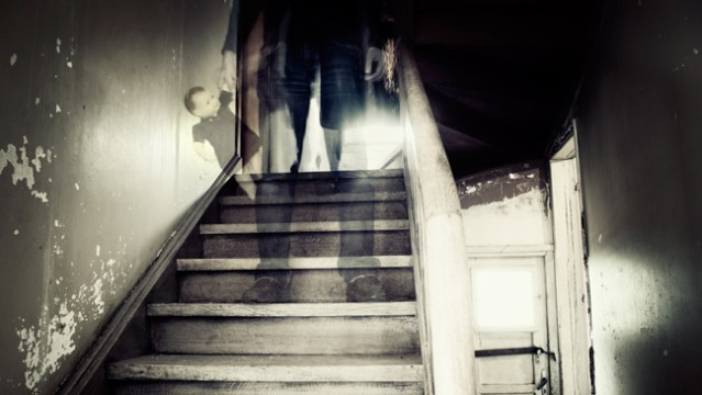 12 Signs that A Ghost Could be In your House