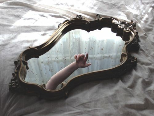 3 Superstitions Surrounding Mirrors
