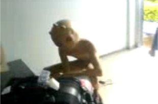 Un alien à l'aéroport au Brésil