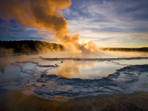 Le supervolcan du parc Yellowstone se réveille après 600 000 ans de sommeil