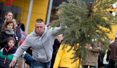 Concours de lancer d'arbres de Noël