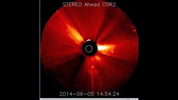 Le signe de la croix apparaît lors d'une éruption solaire !