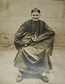 Li Ching-Yuen, né en 1677 et mort en 1933