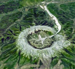 Découverte d'un mystérieux cratère d'un kilomètre de large en Sibérie