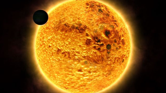 La NASA a filmé une Gigantesque Sphère près du soleil, ovni ou Nibiru?