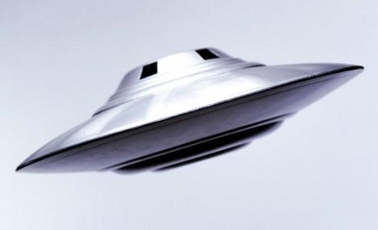Voler Haut - Une soucoupe volante