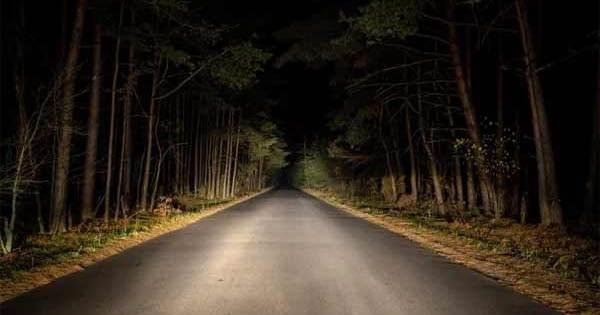 De mystérieux hommes en noir repérés près des routes en Iowa