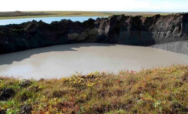 Le « cratère de l'apocalypse » apparu mystérieusement en Sibérie s'agrandit