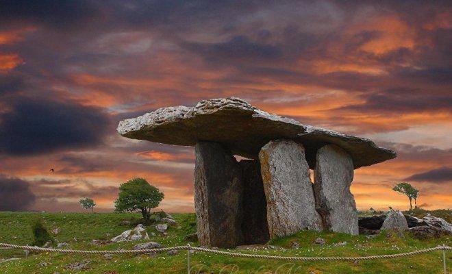 Carnac... Les tombes préhistoriques seraient en fait des dispositifs spatiaux