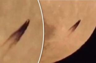Un Ovni Bizarre volant très près de la Lune filmé par un objectif de caméra très puissant