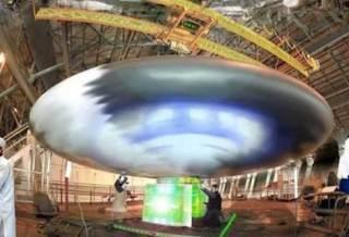 Vidéo: Les véhicules spatiaux antigravité des USA sont conçus avec la technologie Extraterrestre