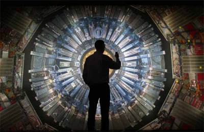 Vidéo: CERN : Le Projet Blue Beam et le Vortex qui Mène vers l'Enfer