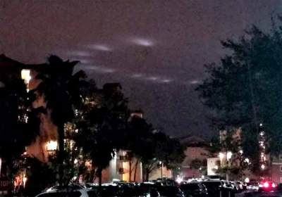 Des lumières extraterrestres dans le ciel d'Orlando, en Floride