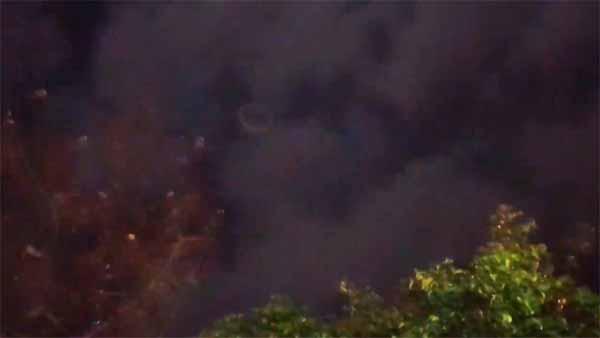 Vidéo: Un OVNI en forme d'anneau filmé à Mexico