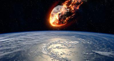 Vidéos: Une météorite fantôme s'écrase en Russie
