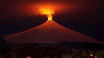 """Les sismologues mettent en garde de l'éruption catastrophique """"imminente"""" de Yellowstone"""