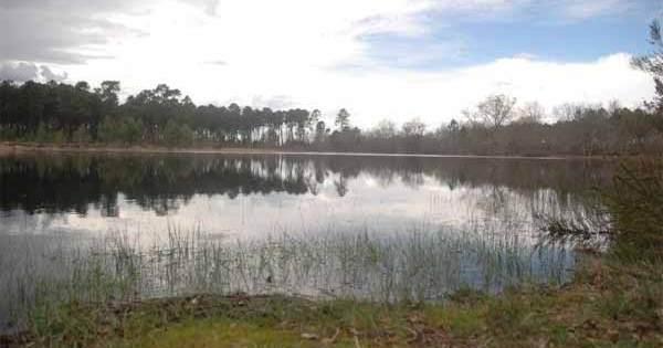 La sombre légende du lac de Troupins en Gironde