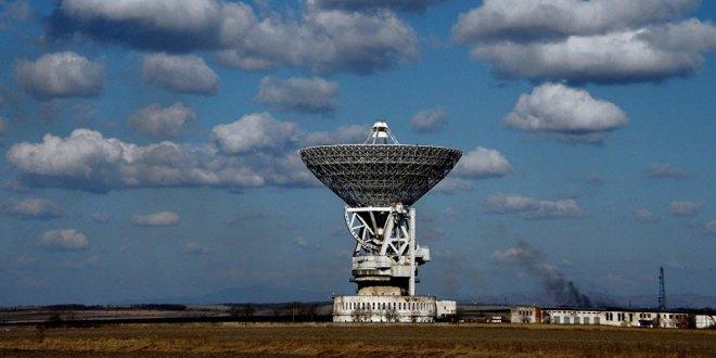Un énigmatique signal rythmique provenant d'une galaxie lointaine a été capté