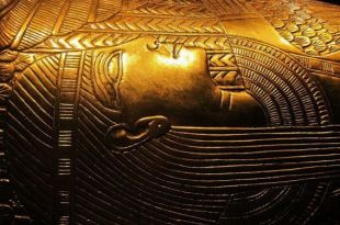Découverte de 13 sarcophages vieux de 2.500 ans et complètement scellés en Égypte