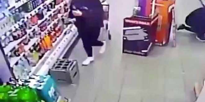 Un fantôme dans un supermarché