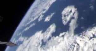 L'ISS a filmé un visage extraterrestre dessiné dans les nuages