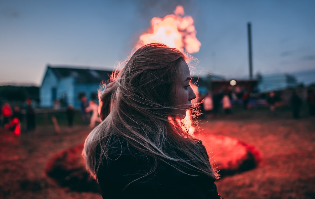 Hair on Fire – Dream Meaning - Paranormal School