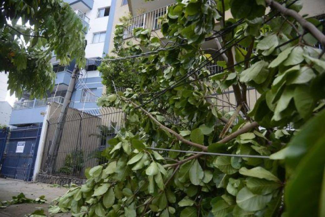 Chuvas e ventos fortes deixam o Rio em estágio de atenção