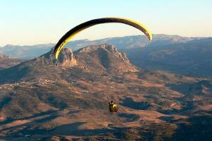 Vuelo en Parapente en la Sierra de Cadiz parapente Qué puedes esperar… si quieres volar en parapente CuerpoPost4 2 300x200