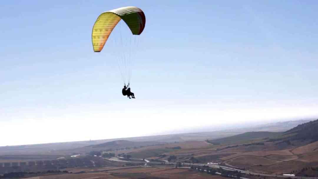 Qué esperar de un vuelo en parapente parapente Qué puedes esperar… si quieres volar en parapente VueloParapente5