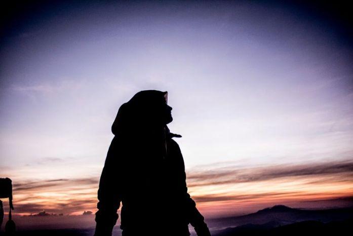 Siluet wanita muslimah Hijab