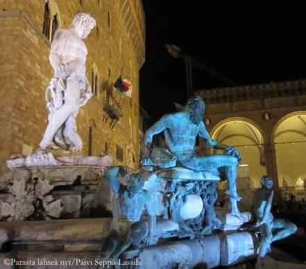 Firenzen patsaita.