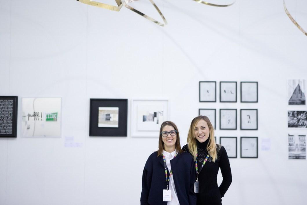 Le curatrici Simona Cirelli e Maria Azahara Hernando Ibáñez