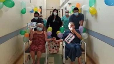 Photo of Mãe e filha recebem alta juntas do tratamento de Covid-19 em Santarém