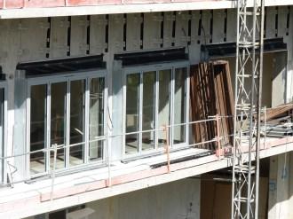 Pose des barres de fixation du bardage, bâtiment A
