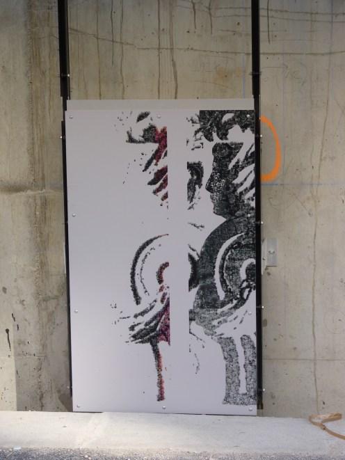 Etude de la pose d'une plaque sérigraphiée de Parc 17