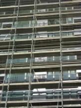 Pose des cassettes sérigraphies, façade Sud, bâtiment C, Parc 17