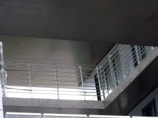 Installation des gardes-corps à l'intérieur des failles