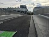 Pont piétonnier et véhicules motorisés