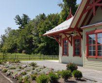 La gare avec nos beaux jardins