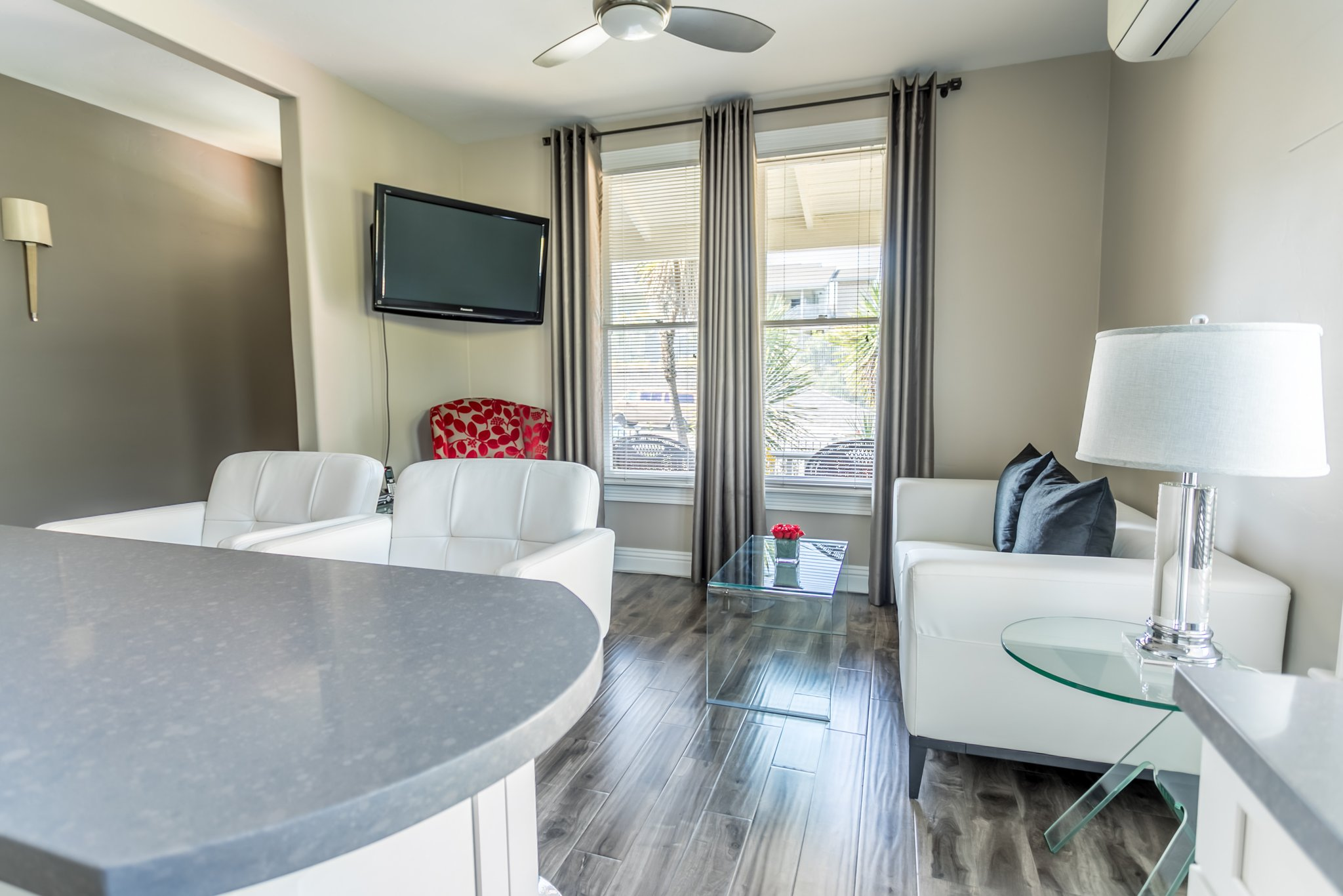 Executive, 1 Bedroom Suite With Office – Parc Suites San Diego