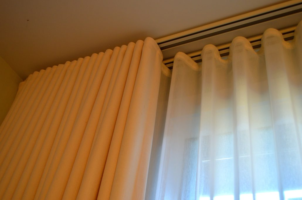 curtains rods channel parda