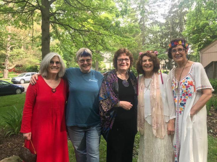 Gabrielle, Jane, Linda, Lucinda, Linda Leah