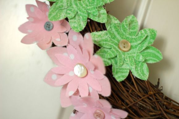 Spring wreath with fabric flowers | Parental Perspective