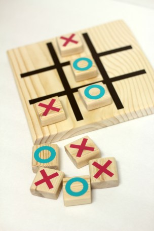 DIY Wooden Tic Tac Toe Game